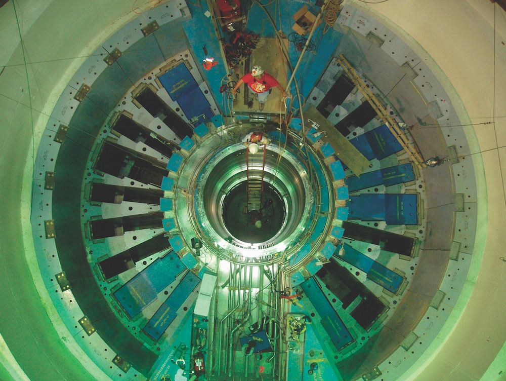 The Spallation Neutron Source becomes operational on April 28, 2006