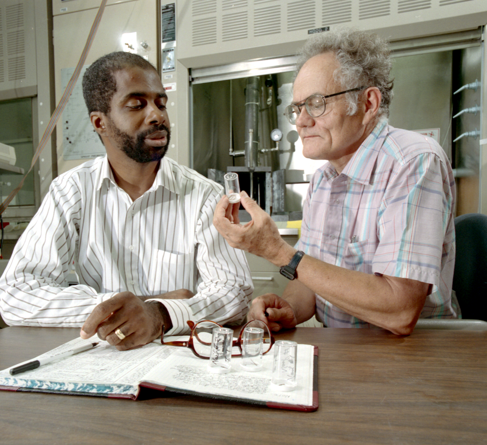 n 1991, researchers Larry Robinson (left) and Frank Dyer performed neutron analysis at HFIR on samples of hair and nails from President Zachary Taylor's remains