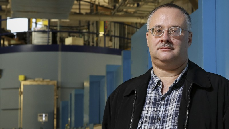 Eugene Mamontov and the BASIS beam line at the Spallation Neutron Source at ORNL (Image credit: ORNL/Jason Richards)