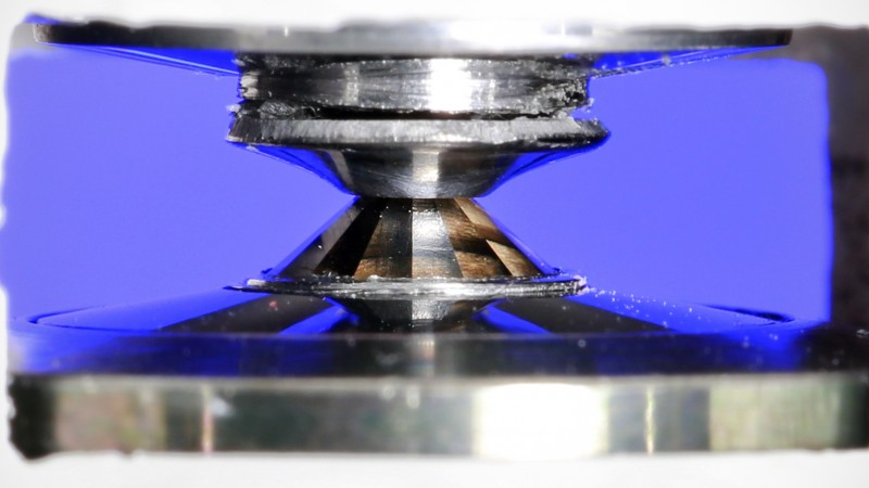 Researchers at the Spallation Neutron Source are studying materials under extreme pressure