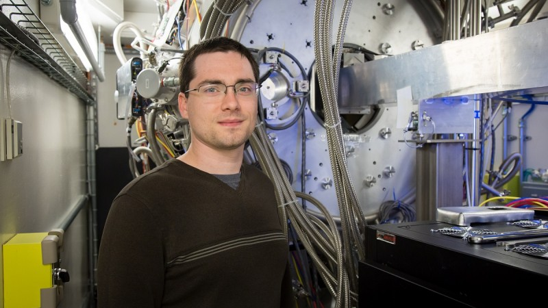 In a Fluid Interface Reactions, Structures and Transport Center project to probe a battery's atomic activity during its first charging cycle, Robert Sacci and colleagues used the Spallation Neutron Source's vibrational spectrometer to gain chemical information. Image credit: Oak Ridge National Laboratory, U.S. Dept. of Energy; photographer Genevieve Martin.
