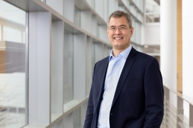 Ken Andersen is the new ALD chosen to lead ORNL's Neutron Sciences Directorate. He earned his PhD at