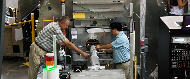 Loading a Sample at CG-2