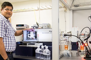 Georgetown University researcher Rahul Saxena studies E. coli DnaA protein using the newly upgraded radiation detection generator device in BSMD's X-ray lab at SNS. Image credit: Genevieve Martin/ORNL